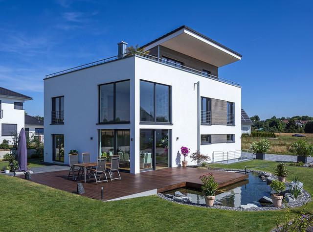 Berühmt Architektenhaus in Empfingen, Aussenansicht mit Gartenteich #VL_58