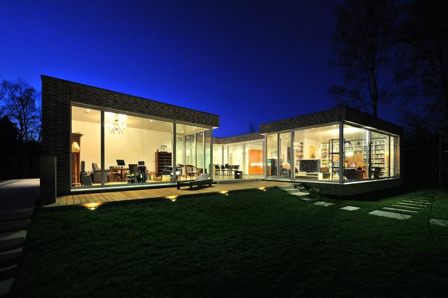 das atriumhaus modern h user hamburg von. Black Bedroom Furniture Sets. Home Design Ideas
