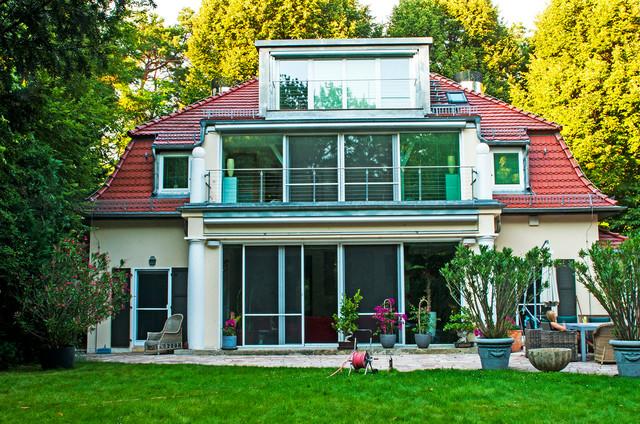 das terrassenhaus in berlin grundewald aufstockung einer bestehenden villa klassisch h user. Black Bedroom Furniture Sets. Home Design Ideas