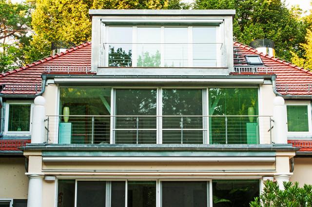 das terrassenhaus in berlin grundewald aufstockung einer bestehenden villa klassisch haus. Black Bedroom Furniture Sets. Home Design Ideas