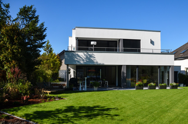 dormagen design gartenhaus gart modern haus fassade d sseldorf von design garten. Black Bedroom Furniture Sets. Home Design Ideas