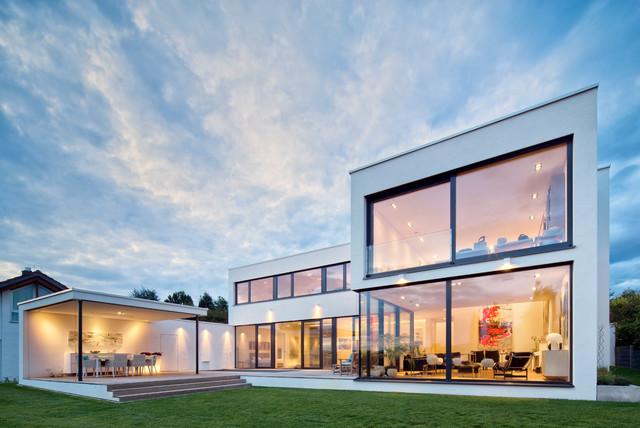 Einfamilienhaus fr12 minimalistisch haus fassade for Haus minimalistisch
