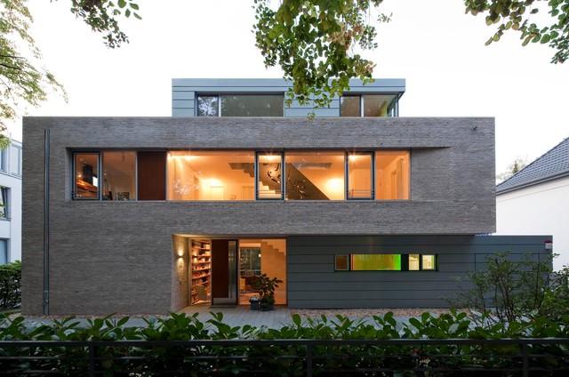 Einfamilienhaus mit pool berlin minimalistisch h user for Einfamilienhaus berlin