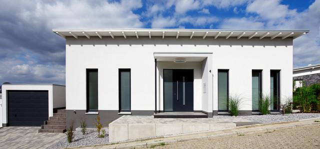 Eingangsbereich mit haust r for Eingangsbereich haus modern