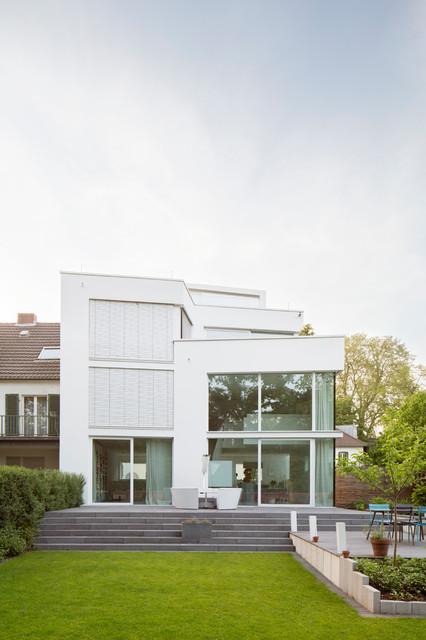 Familienhaus Köln-Marienburg - Contemporary - Exterior - Cologne ...