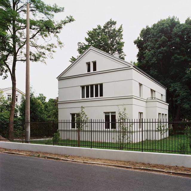 Haus am pfingstberg klassisch modern haus fassade for Haus klassisch modern