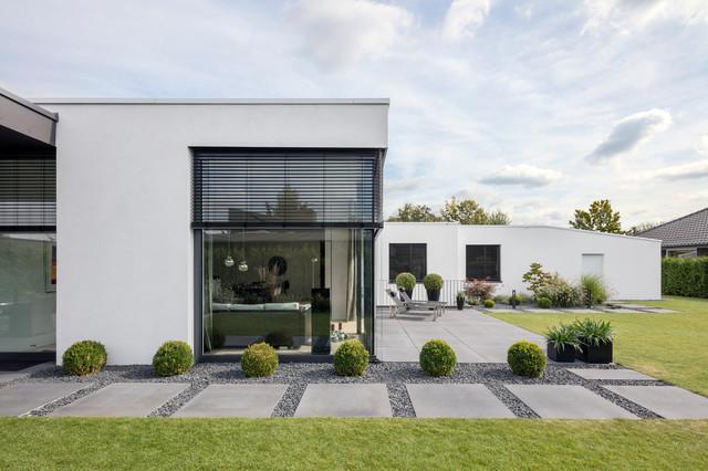 Haus b minimalistisch h user k ln von h ck for Haus minimalistisch