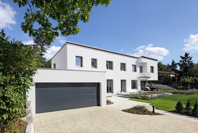 Haus b minimalistisch h user n rnberg von peter for Haus minimalistisch