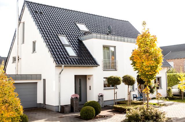 Moderne häuser satteldach  Haus E - Modern - Häuser - Düsseldorf - von kp architektur