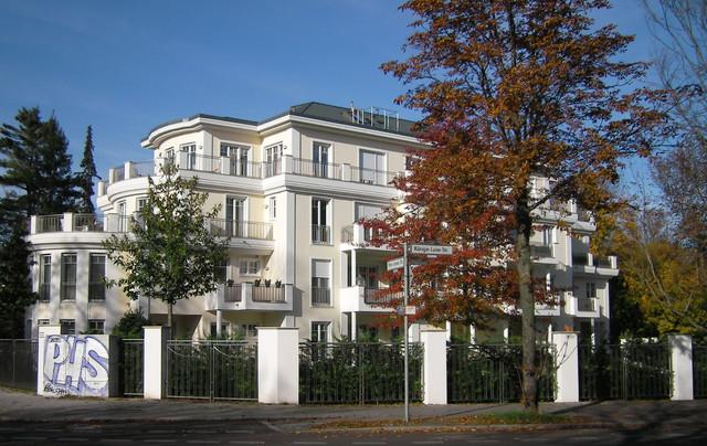 klassische villa in berlin dahlem klassisch h user berlin von dipl innenarchitektin m c. Black Bedroom Furniture Sets. Home Design Ideas