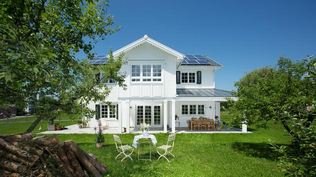 Landhausstil haus fassade for Haus landhausstil modern