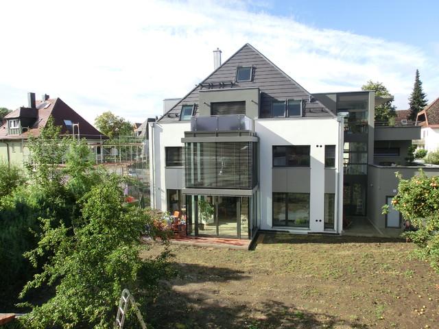 Mehrfamilienhaus modern haus fassade stuttgart for Mehrfamilienhaus modern