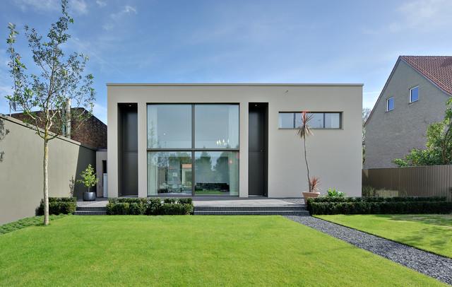 Moderne villa im denkmal ensemble in berlin for Modernes haus villa