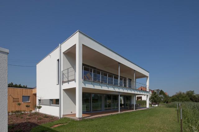 Modernes wohnhaus mit offenem grundriss for Modernes wohnhaus