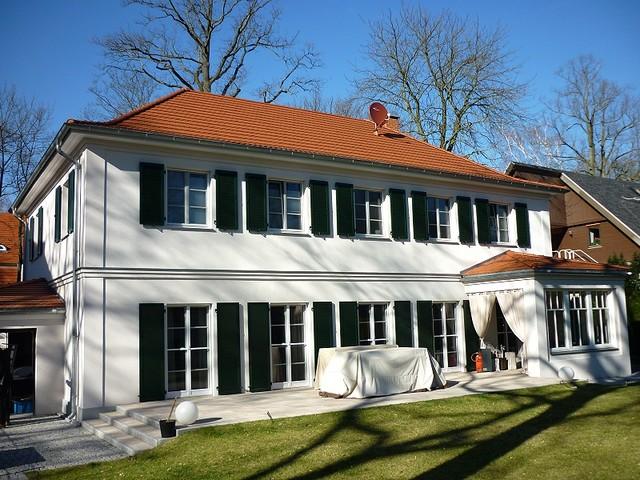 neubau villa im landhausstil der 30er jahre klassisch. Black Bedroom Furniture Sets. Home Design Ideas