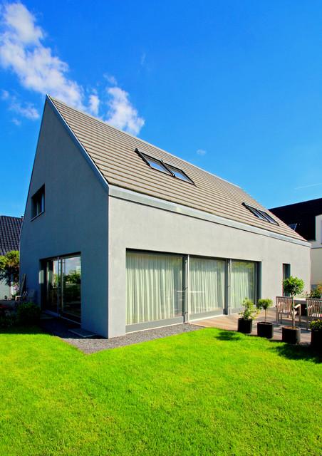 privathaus bornheim modern haus und fassade. Black Bedroom Furniture Sets. Home Design Ideas