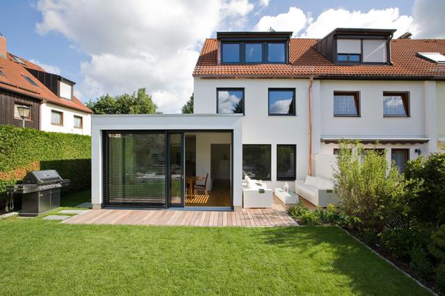 reihenhaus l modern haus fassade m nchen von. Black Bedroom Furniture Sets. Home Design Ideas