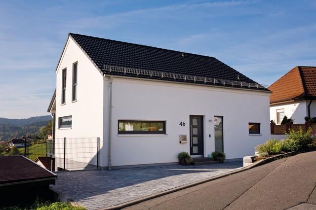 Sch ne aussicht frei geplantes kundenhaus klassisch for Haus klassisch modern