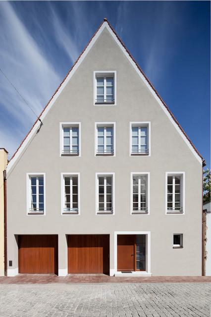Stadthaus landshut klassisch modern haus fassade for Haus klassisch modern