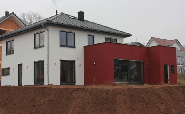 Stadtvilla mit Wohnzimmer-Erweiterung und Terrasse