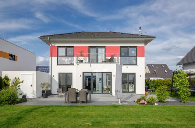 walmdach 170 modern h user n rnberg von luxhaus. Black Bedroom Furniture Sets. Home Design Ideas