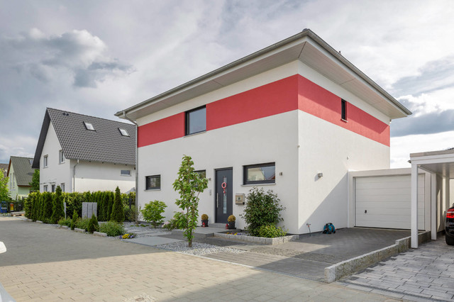 Walmdach 170 modern haus fassade n rnberg von for Haus modern walmdach