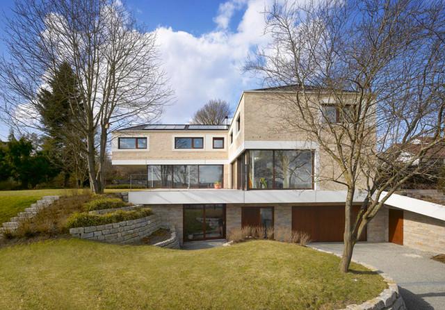 Wohnhaus r j einfahrt for Wohnhaus modern