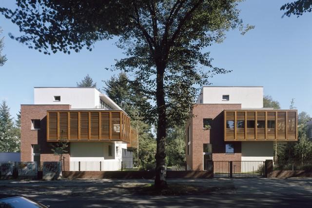 Zwei Wohnhäuser Modern Exterior
