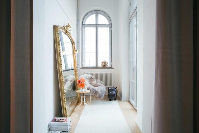 k nnen auch flure wohnlich gem tlich sein. Black Bedroom Furniture Sets. Home Design Ideas