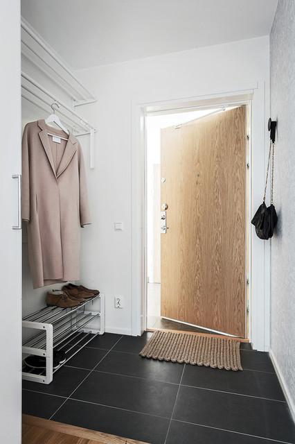 byrå till hall ~ hem till salu  modern  hall  stockholm  by