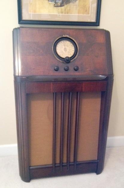 1938 Vintage Philco Radio Console Restored