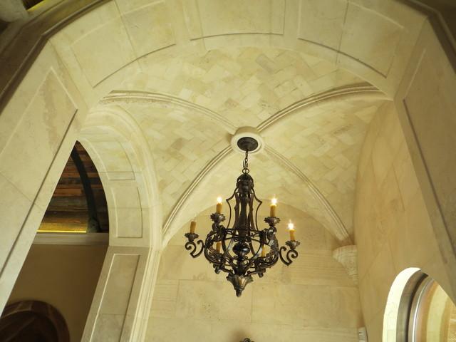 Arched Hallway Treatment mediterranean