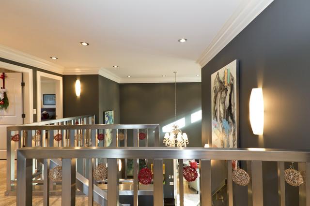 Ballet Kelowna Hot Holiday Homes! modern-hall