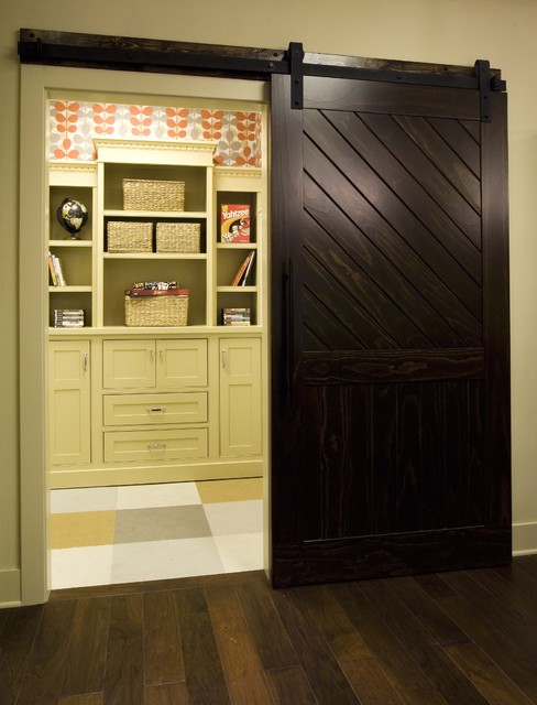 Barn door contemporary hall