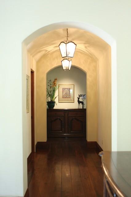 Barnard Residence mediterranean-hall