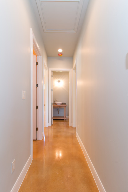 Example of a mountain style hallway design in Austin