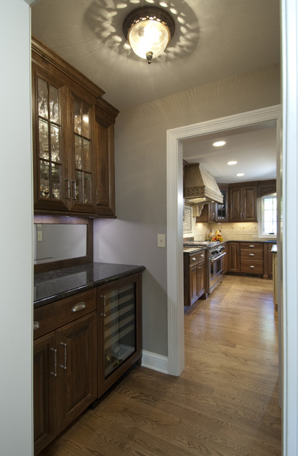 Butler 39 s pantry traditional hall chicago by for Kitchen designs with butler pantry