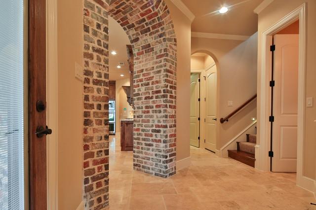 Elegant hallway photo in Dallas