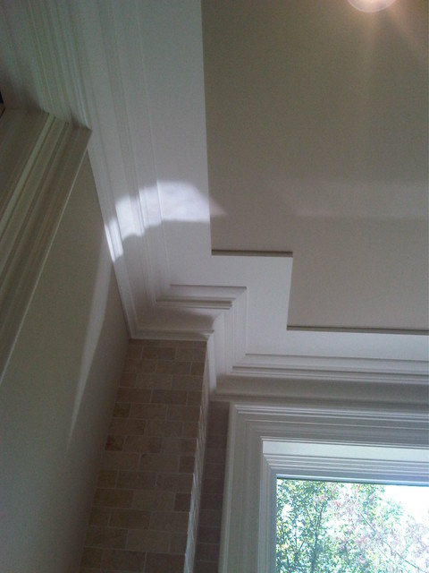 Ceiling Trim detail traditional-hall