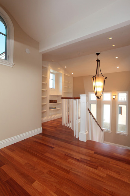 Cliff Drive traditional-hall