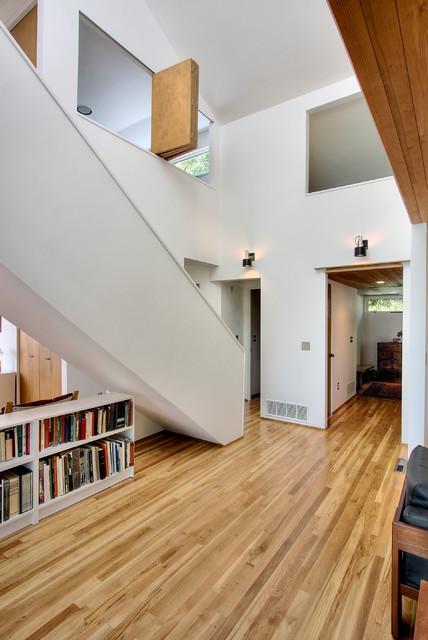 Modern Hall by Renzo J Nakata Architects