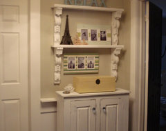 Corbel's make great shelves traditional-hall