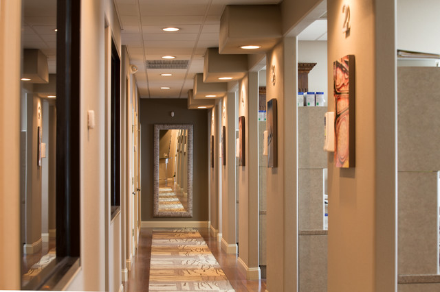 dr. reese harrison-dental office - modern - hall - miami