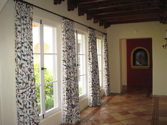 El Mirador traditional-hall
