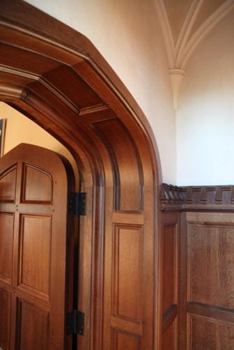 English Paneled Room: English Paneled Jamb