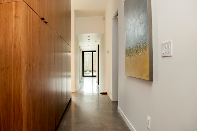 Eric - Modern - Hall - portland - by Whitney Lyons