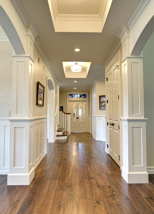 What color are walls and molding for Best colour for hall