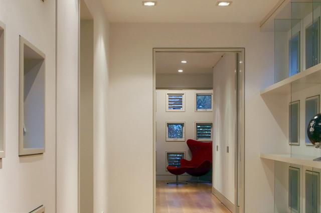 Four Gables contemporary-hall