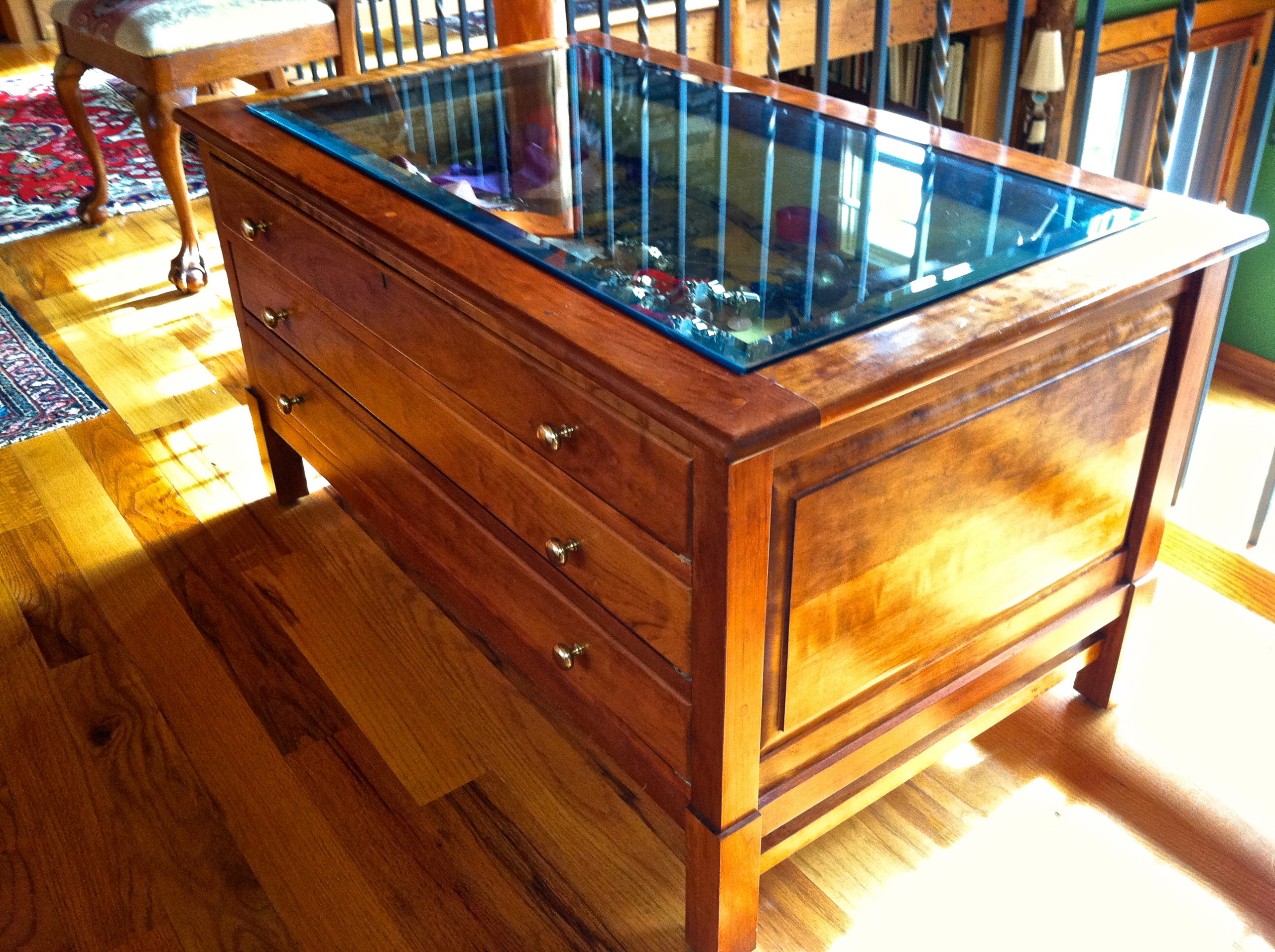Glass-top display table