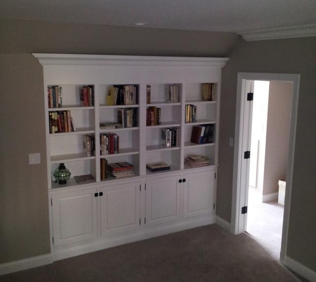 Hallway - eclectic hallway idea in St Louis